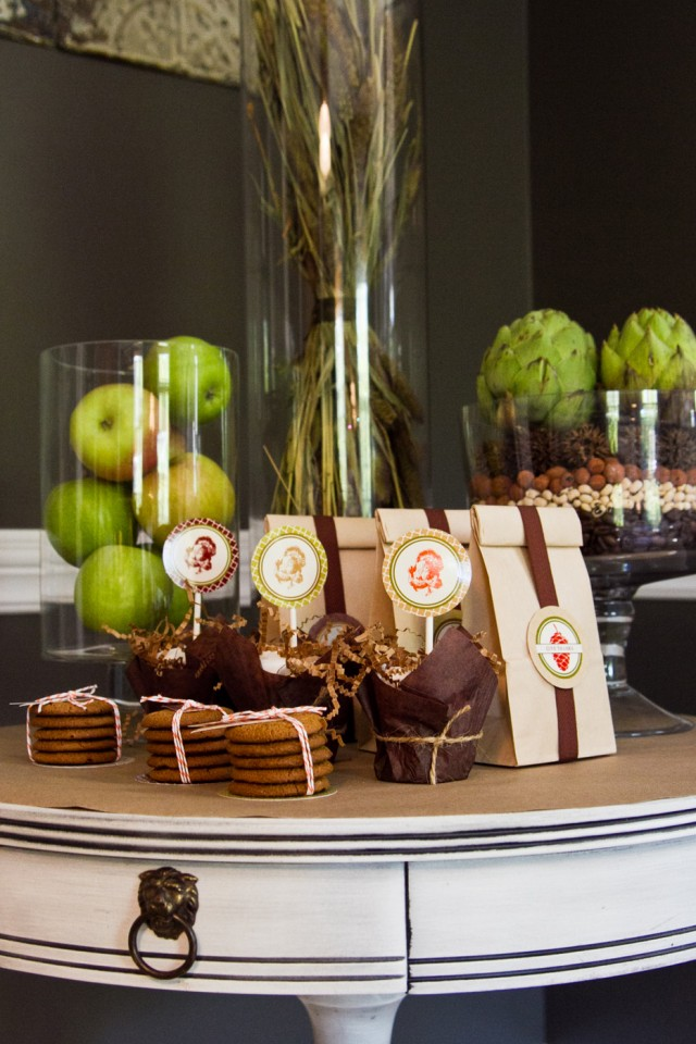 Kdhamptons entertaining how to host an unforgettable for Autumn party decoration ideas