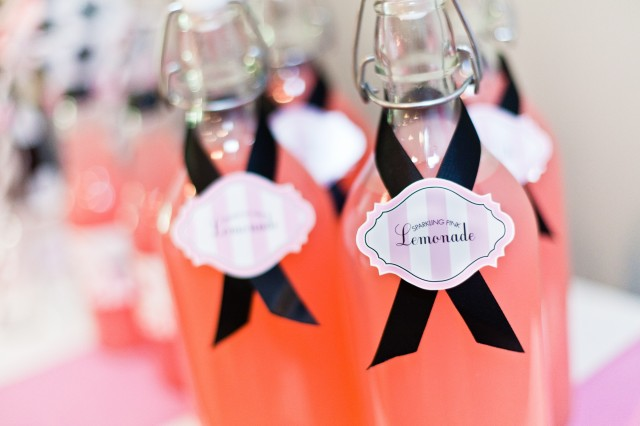 Bridesmaid Flat Party Labels on Bottles