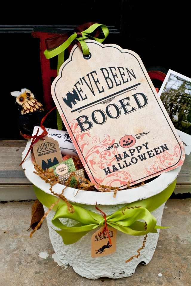 Boo Sign in Basket