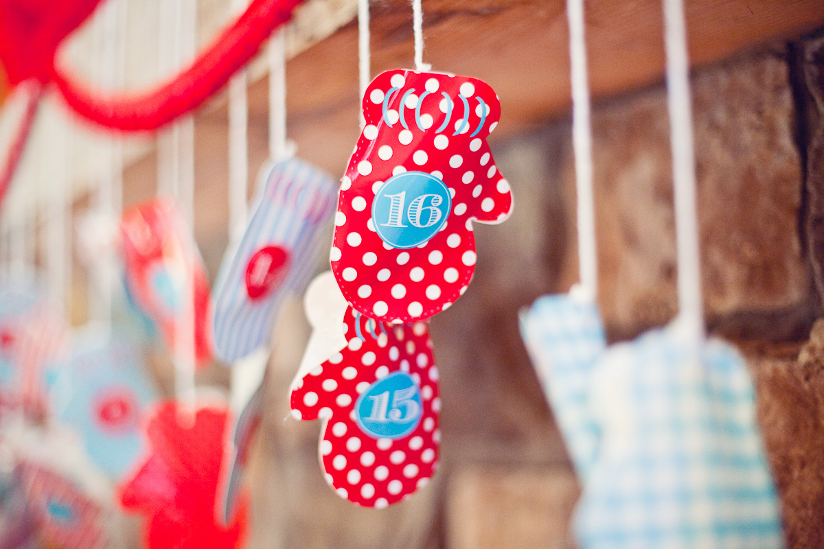 Christmas Advent Calendar Printable Mittens