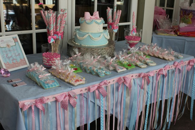 Magnificent Princess Birthday Party Table 640 x 426 · 87 kB · jpeg