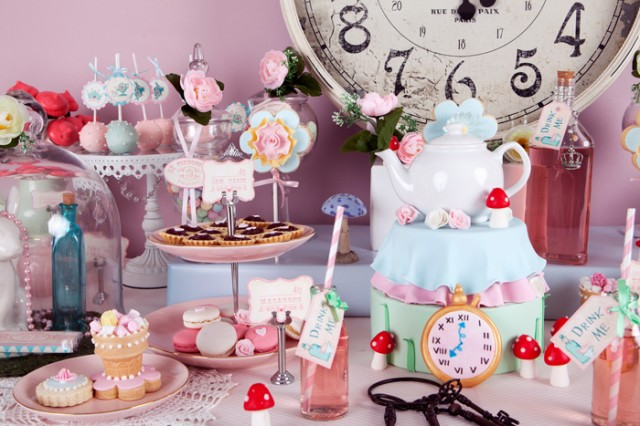 alice in wonderland cake table