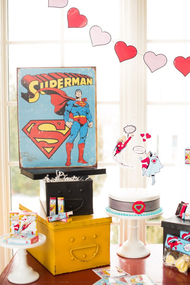 super hero dessert table