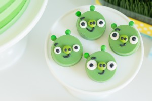 angry bird minion cookies