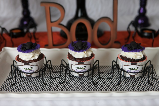 wicked witch halloween party cupcake