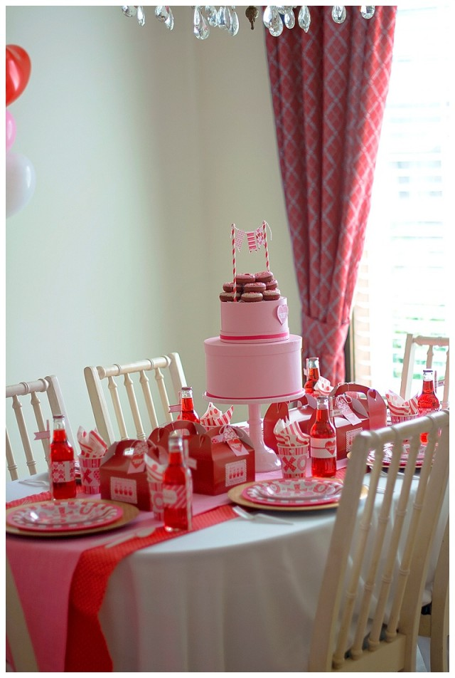Valentine's Day dining table