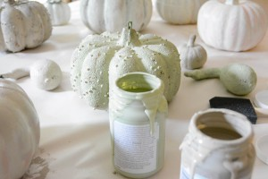 chalk-paint-pumpkins